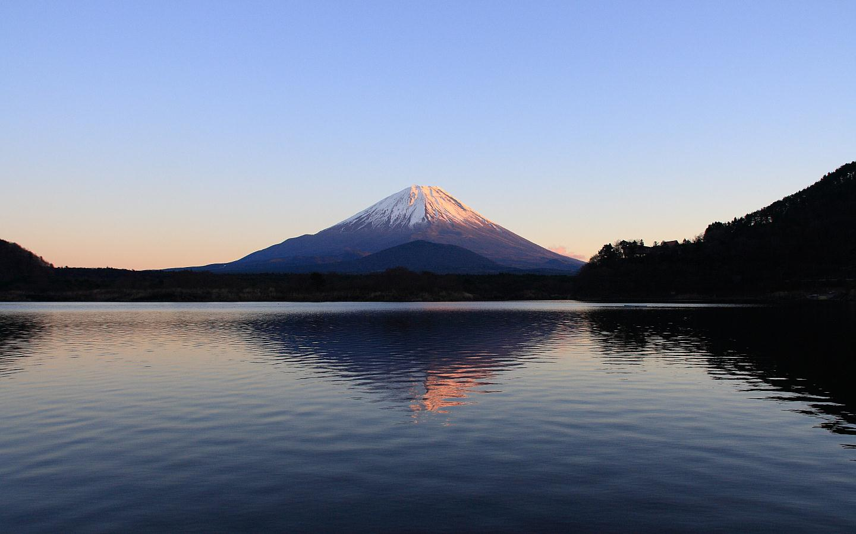 富士山の壁紙 写真素材 精進湖から見た富士山